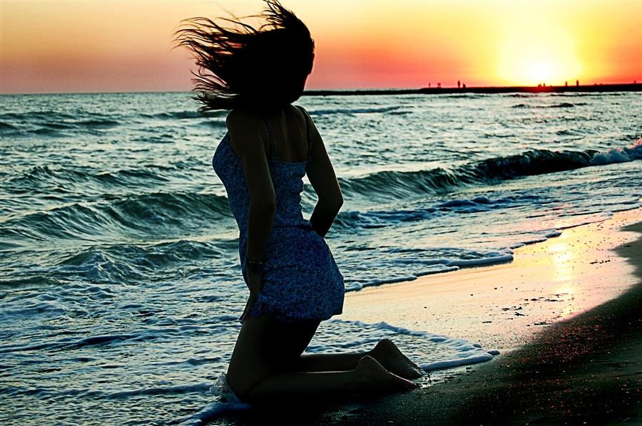 фото девушек со спины факью